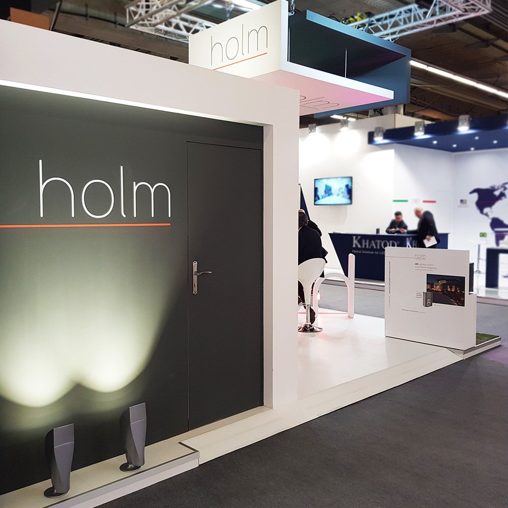 Stand Holm Light and Building
